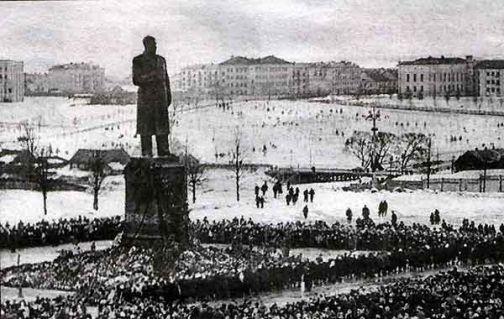 В Ткибули демонтирован памятник Сталину